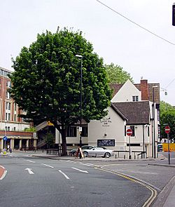 The Olde Hatchet Inn - geograph.org.uk - 206036.jpg