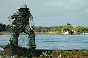 Humboldt Bay Fisherman Memorial Statue