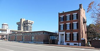 Field House Museum Front small.jpg