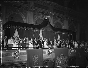 Inauguration of Queen Juliana, 07SEP48-002