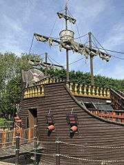 Pirate ship at Sundown Adventure Land (geograph 6433321).jpg