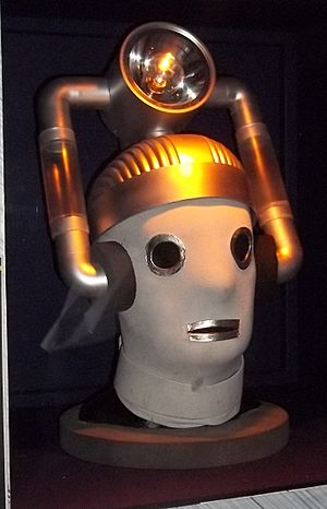 Cyberman Head from The Tenth Planet (10634666874)