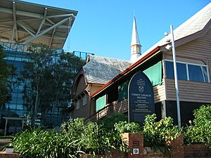 Christ Church, Milton, with Suncorp Stadium in the background, 2005