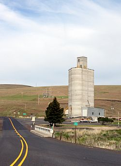Grain elevator along Oregon Route 206 in Ruggs