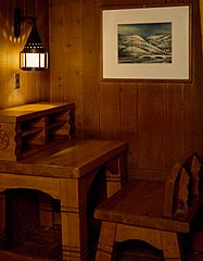 Timberline-Lodge-Desk