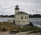 Coquille lighthouse color