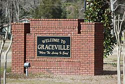 Welcome to Graceville Sign located on HWY 77