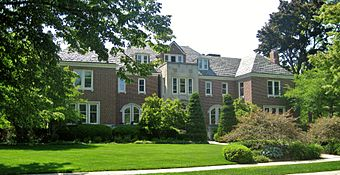 Manor House Kenosha.JPG